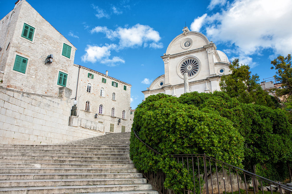 This image has an empty alt attribute; its file name is Sibenik-St-James-Cathedral-Adventures-Croatia-1024x683.jpg