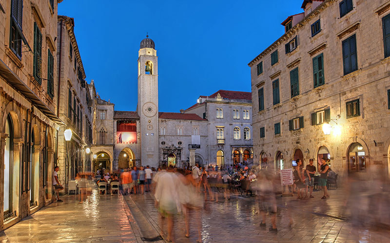 This image has an empty alt attribute; its file name is Dubrovnik-Stradun-Adventures-Croatia.jpg