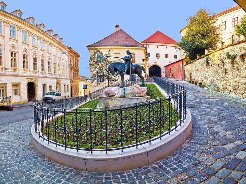 This image has an empty alt attribute; its file name is Active-Wellness-Croatia-Trip-Adventures-Croatia-Zagreb-Upper-Town.jpg