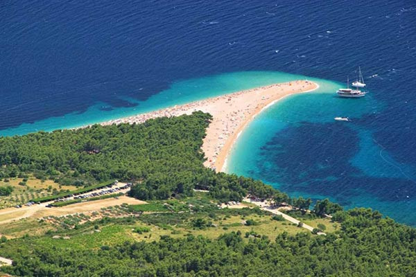 This image has an empty alt attribute; its file name is Adventures-Croatia-Brac-Bol-Golden-Horn-Adventures-Croatia.jpg