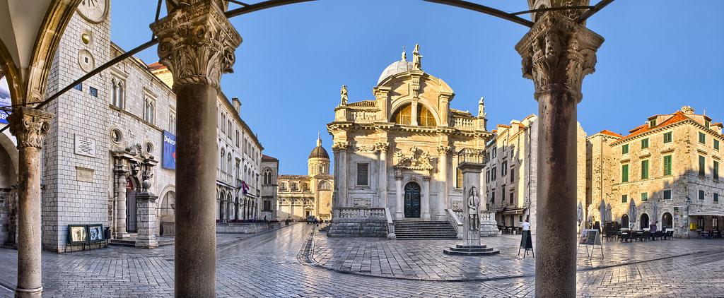 This image has an empty alt attribute; its file name is Dubrovnik-Stradun-Fotolia-1-1024x422.jpg