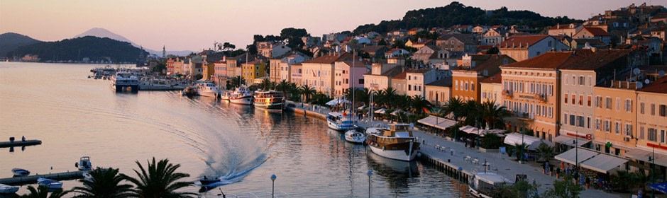This image has an empty alt attribute; its file name is adventures-croatia-mali-losinj-1.jpg