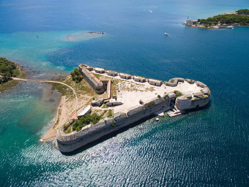 This image has an empty alt attribute; its file name is Sibenik-St-Nicholas-Fortress-Adventures-Croatia.jpg
